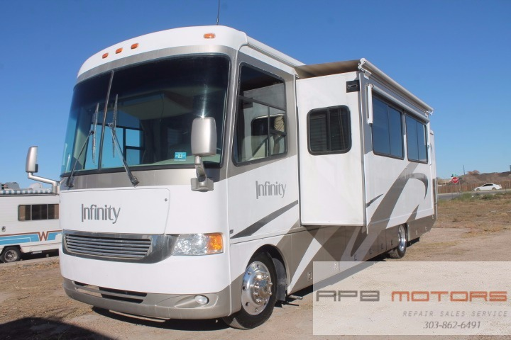 2005 Four Winds Infinity 35D low miles class A RV Motorhome for sale