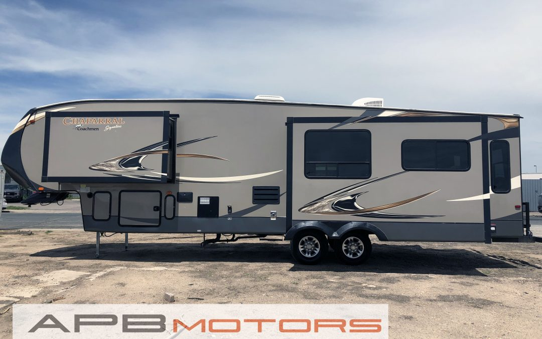 2014 Coach Chaparral by Forest River 5th Wheel trailer for sale in Denver, CO ***$25,000***